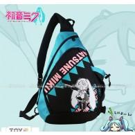 กระเป๋าทรงสามเหลี่ยม Miku